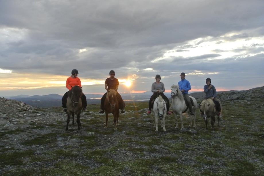 På väg hem i solnedgången Foto: Evelina Hedman