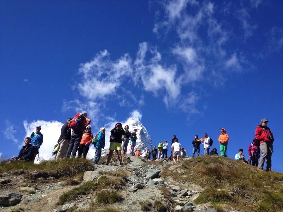 Mycket publik och fin vy mot Matterhorn. Foto: David Erixon