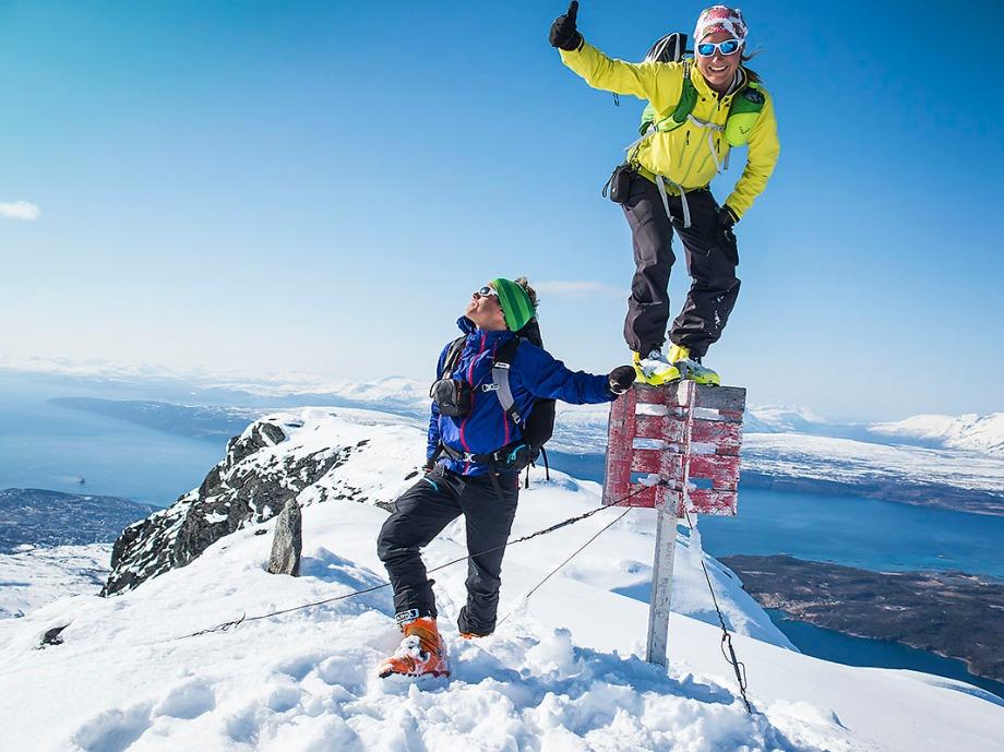 David Erixon och Lisa Lindblom på toppen av Rombakstötta Foto: David Erixon