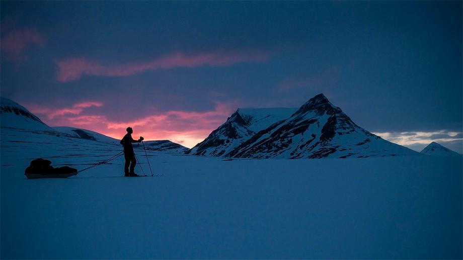 Fjället Pältsan i solnedgång. Inte långt från Treriksröset.  Foto: David Erixon
