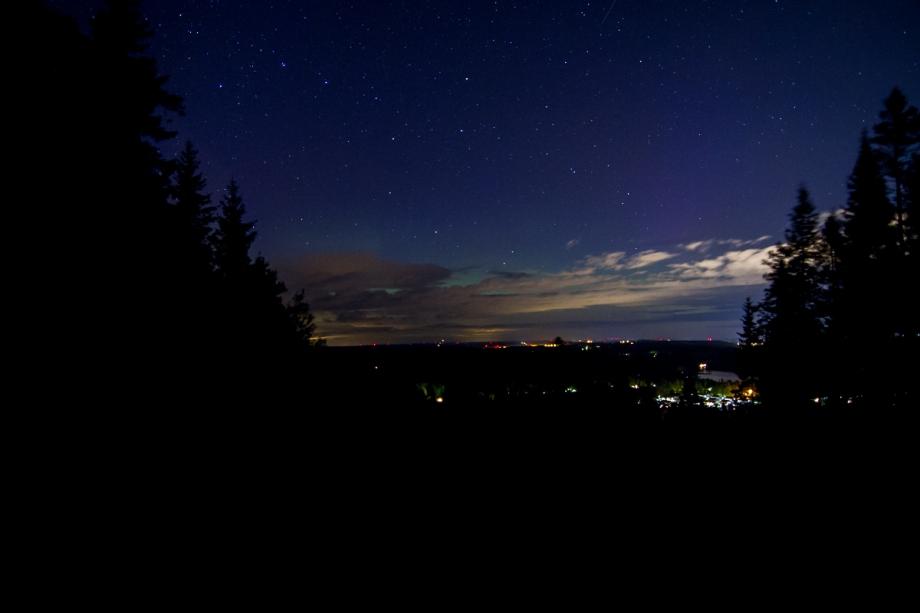 Svagt norrsken fotat från tabergs västra topp. Foto: David Erixon