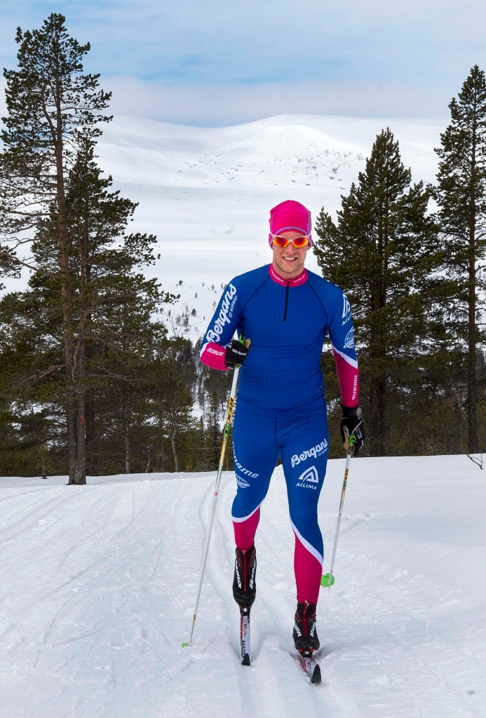 Team Deluxeturers tävlingsdräkt i Nordenskiöldsloppet. Foto: Mikael Forslund