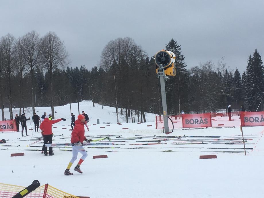 Det gäller att lägga ut sina skidor i god tid innan start.